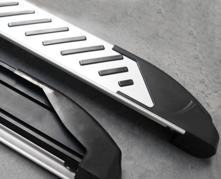 01656359 Stopnie boczne, paski - Toyota Rav4 2006-2012 (długość: 161-167 cm)