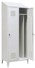 99552183 Szafka ubraniowa 0,8mm na nóżkach ze skośnym daszkiem, zamek ryglujący drzwi w 3 punktach, 2 drzwi (wymiary: 2140x600x490 mm)