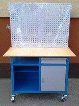Stół mobilny na kółkach z tablicą narzędziową, 1 półka i szafka (wymiary: 1200x600x900 mm) 77156975