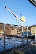 DOSTAWA GRATIS! 53372540 Żuraw z kieszeniem AISI304 do posadowienia i wciągarką ręczną z liną AISI316 12m (udźwig: 250kg, wys podnoszenia 1945-2440mm)