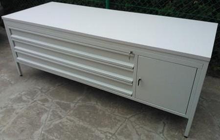 Stół do laboratorium, 1 szafka, 3 szuflady (wymiary: 2000x800x750 mm) 77156959